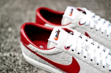 clot-nike-tennis-classic-suede-further-look-2-620x413