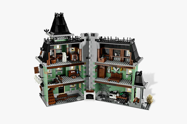 lego-haunted-house1