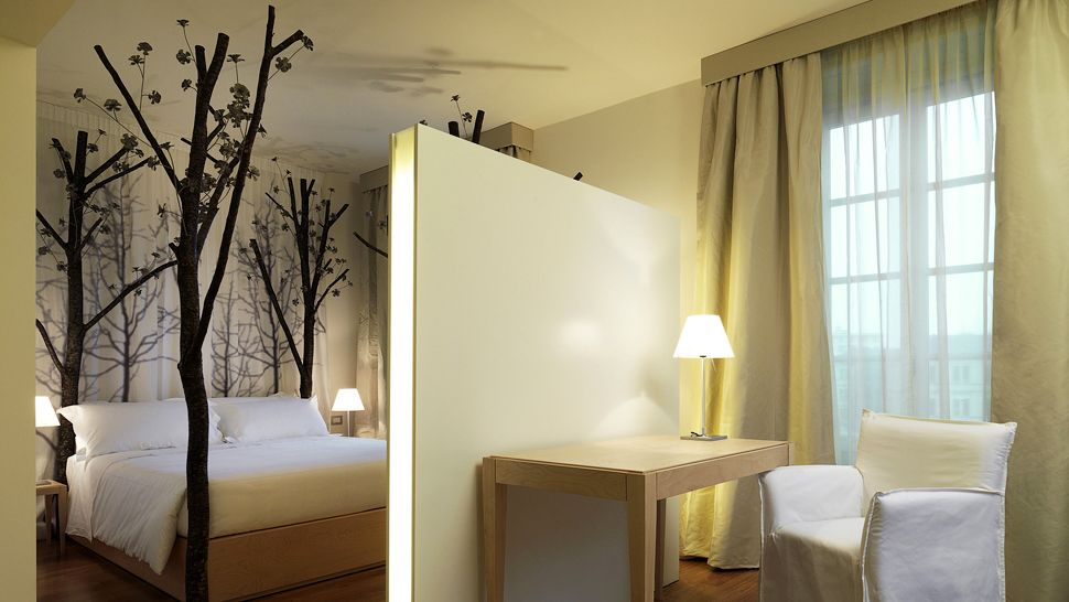 008463-04-forest-bedroom