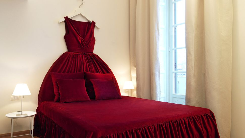 008463-07-red-dress-bed