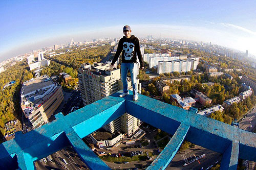 Death-Defying-Photos-Taken-Without-Safety-Equipment2
