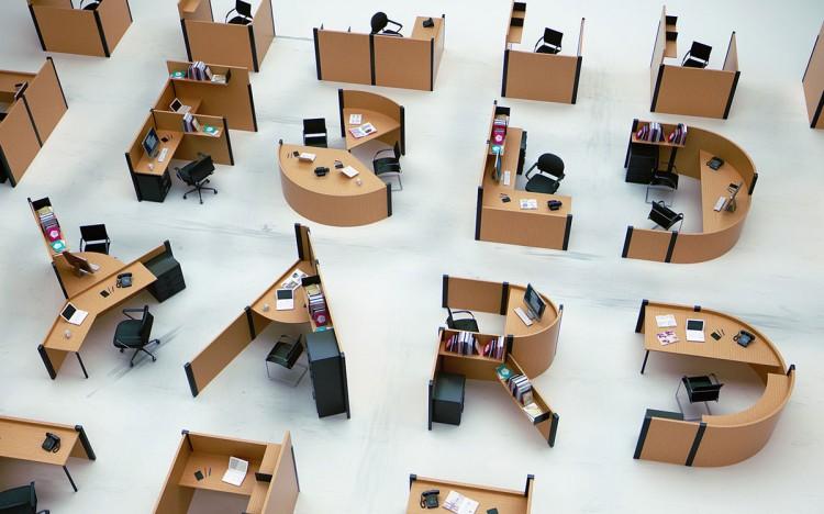 26個字母變身26張個性辦公桌 1