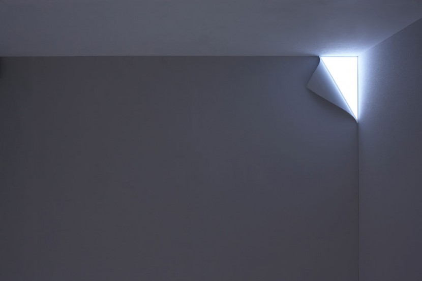 PEEL WALL LIGHT 3