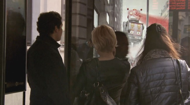 Pepsi Pranks People At A Bus Stop With A Digital Billboard 3