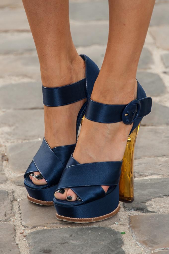 take off High heels  2