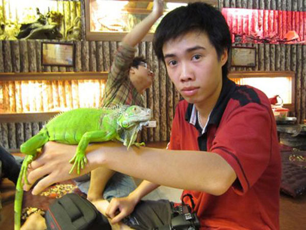 In Vietnam, A Pet Café That Houses Snakes, Iguanas & Other Exotic Creatures 7