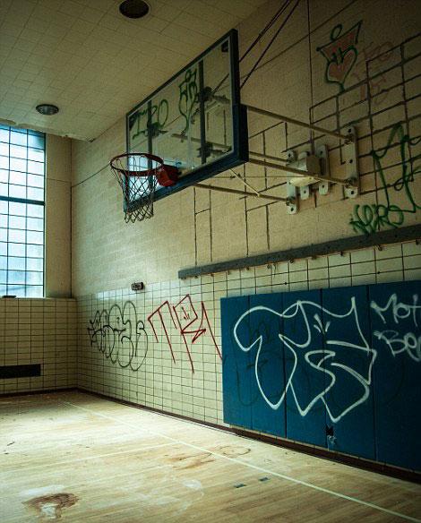 隕落的美國夢:攝影師Jonny Joo鏡頭下的廢棄建築 ‧ A Day Magazine