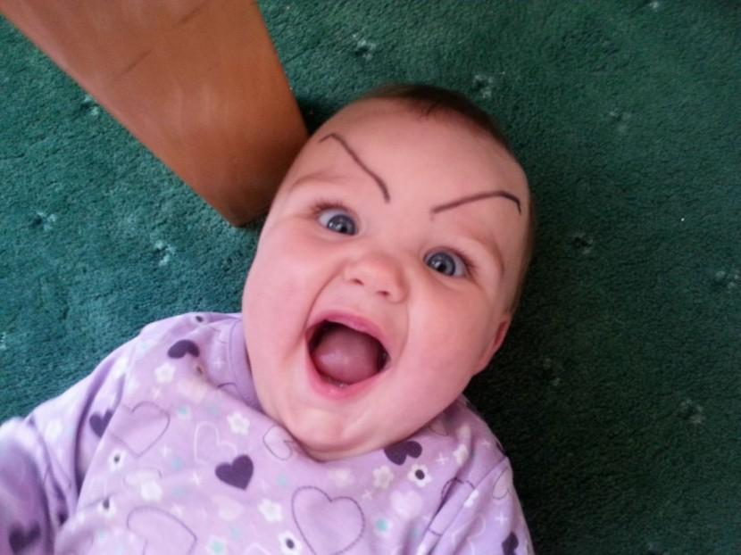 畫眉不再是成年人的專利!網絡掀起為嬰兒畫眉的新熱潮 3