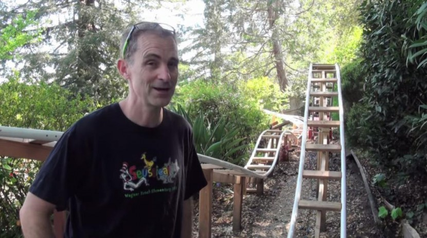 Loving Dad Builds An Awesome 180-Foot-Long Roller Coaster For His Children 2