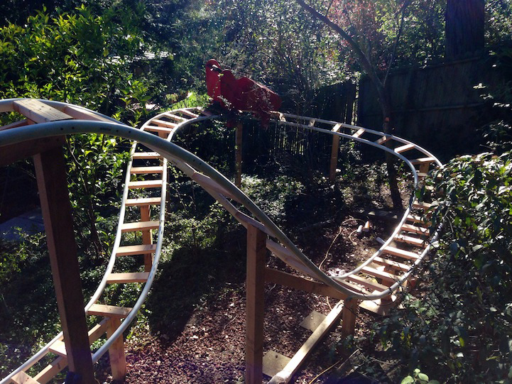 Loving Dad Builds An Awesome 180-Foot-Long Roller Coaster For His Children 5