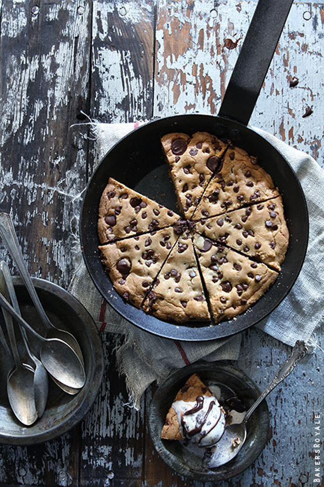 23 Life-Changing Ways To Eat Chocolate Chip Cookies 17