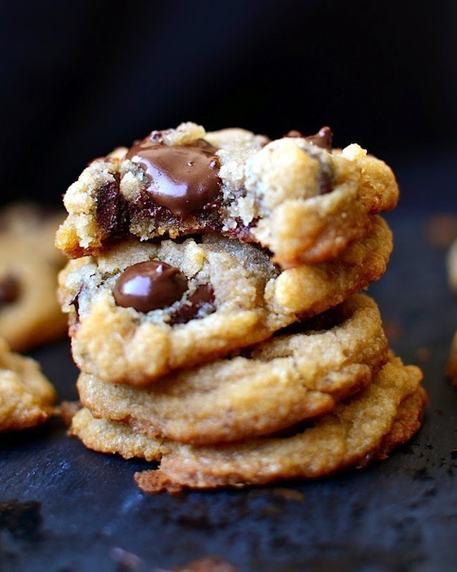 23 Life-Changing Ways To Eat Chocolate Chip Cookies 19