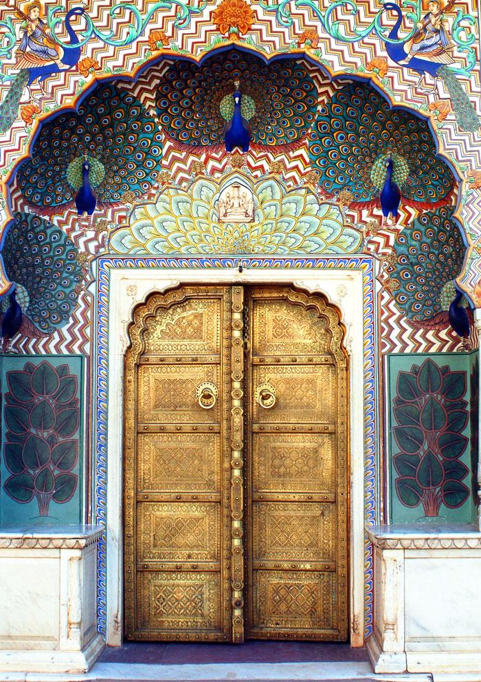 30扇令人歎為觀止的門,帶你通往奇幻世界 17