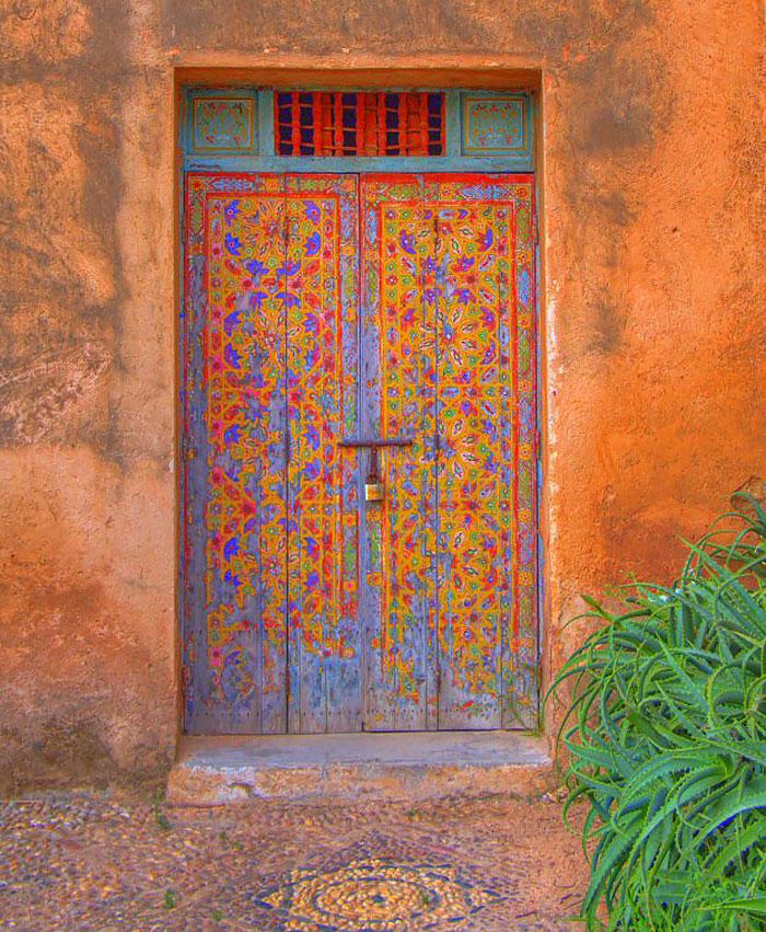 30扇令人歎為觀止的門,帶你通往奇幻世界 24