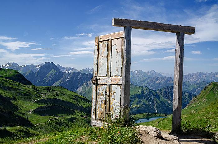 30扇令人歎為觀止的門,帶你通往奇幻世界 26