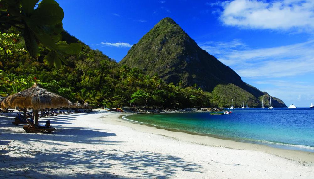 換上泳裝吧!夏天一定要拜訪的10個夢幻度假海島 14