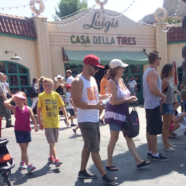 DILFs Of Disneyland Is The Instagram Account we all have Been Waiting For 6