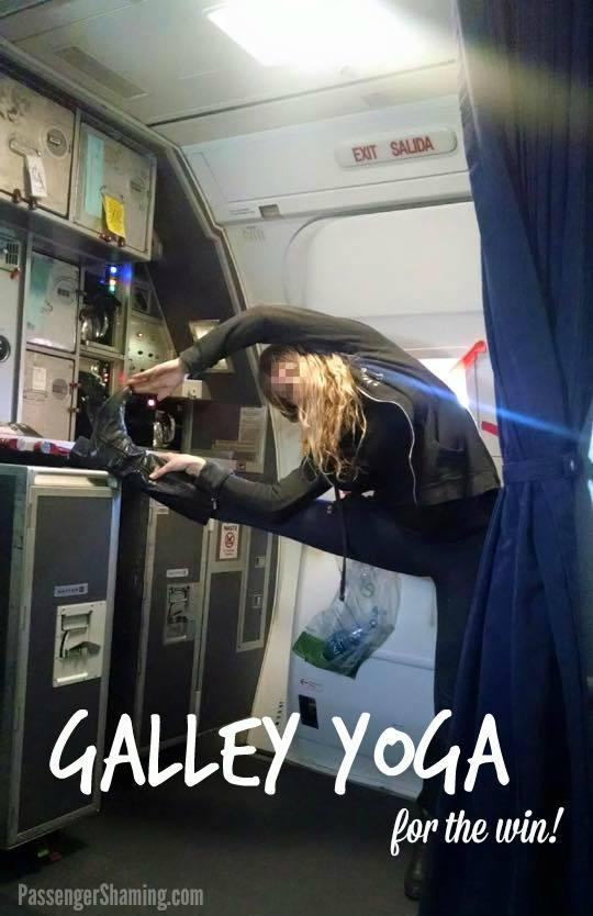 赤足、剪指甲這些事你也在飛機上做過嗎,前空服員表示你可能會成為最不受歡迎的乘客 13
