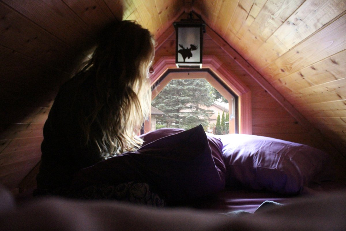 I Spent 3 Days In A 'Tiny House' With My Mom To See What Micro-Living is 14