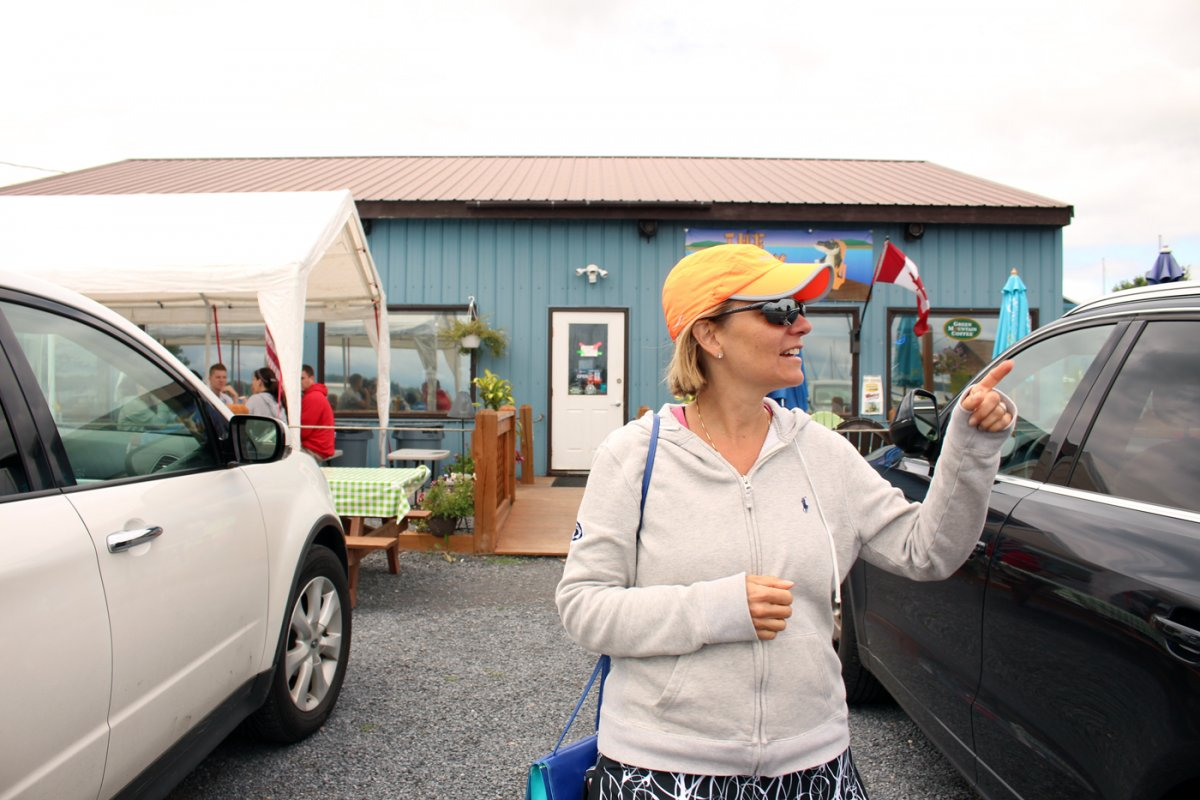 I Spent 3 Days In A 'Tiny House' With My Mom To See What Micro-Living is 22