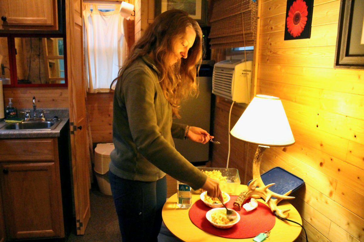 I Spent 3 Days In A 'Tiny House' With My Mom To See What Micro-Living is 24