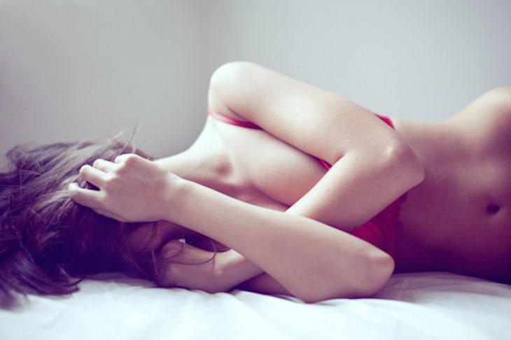 妳也會穿著內衣睡覺嗎?醫學專家表示其實穿不穿都無所謂 3