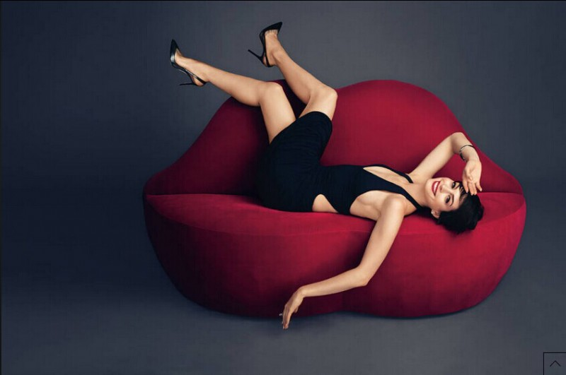 Anne Hathaway Harper's Bazaar November 2014 4