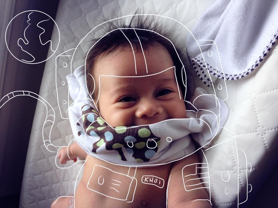 Creative Dad Sketches His Newborn Son On Fun 'Adventures'  11