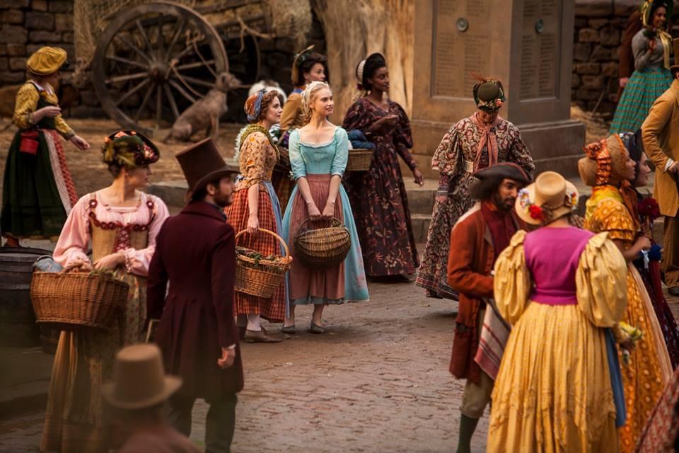 首支真人版《Cinderella》預告片:王子最終能找到玻璃鞋的主人嗎? 5