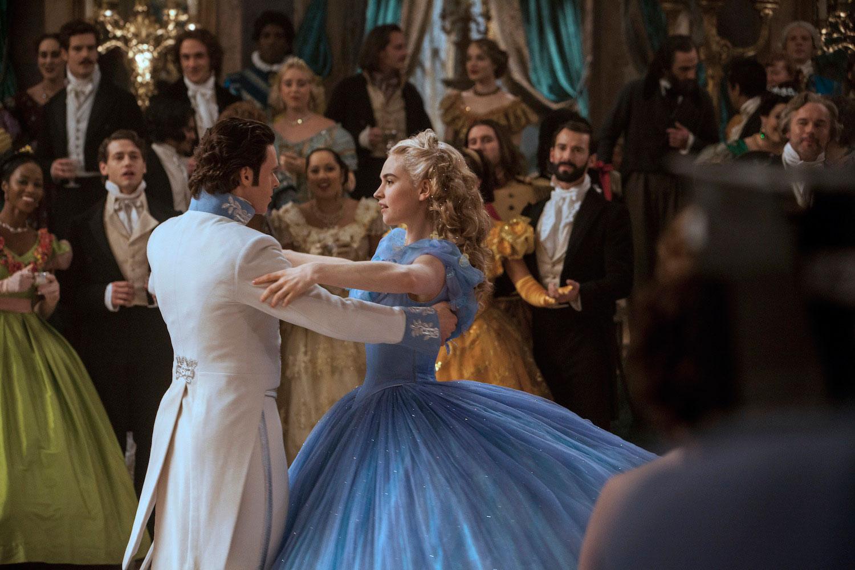 首支真人版《Cinderella》預告片:王子最終能找到玻璃鞋的主人嗎? 11