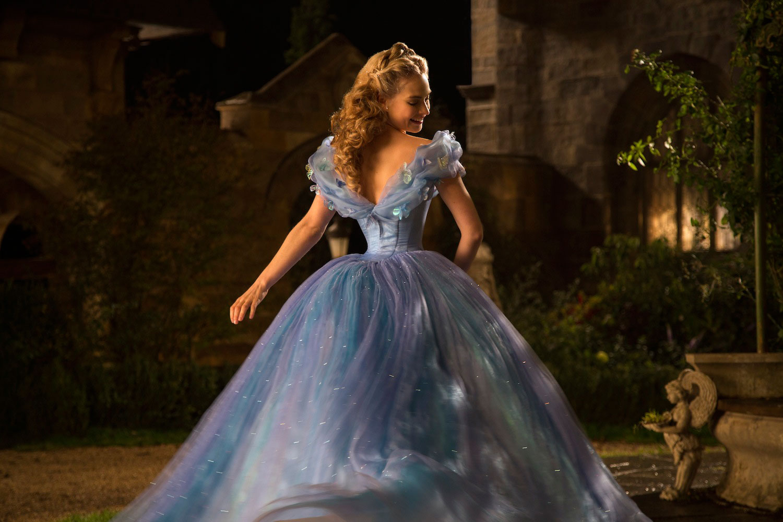 首支真人版《Cinderella》預告片:王子最終能找到玻璃鞋的主人嗎? 12