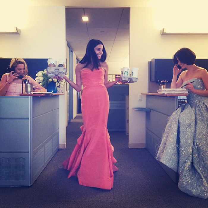 Inside The Glamorous Lives Of Anna Wintour's 3 Vogue Assistants 3