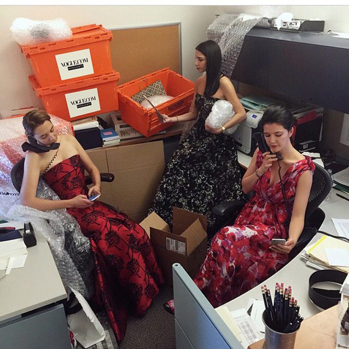 Inside The Glamorous Lives Of Anna Wintour's 3 Vogue Assistants 20