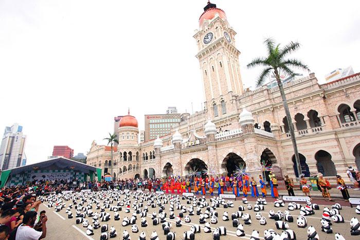 1600熊貓環球保育行登陸大馬,快閃世界最古老熱帶雨林及大馬各地標 1