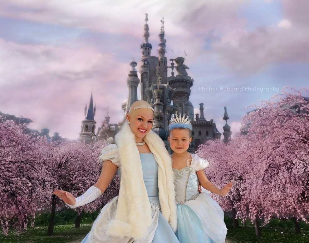 A Bald Cinderella Gave A Little Girl With Cancer Surprise 5
