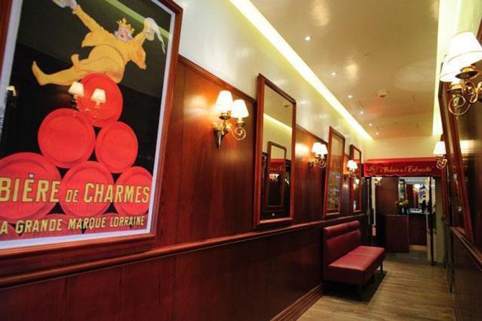 Christmas Restaurant 8