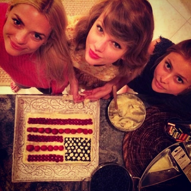 let Taylor Swift told you what is Female Friendship 2