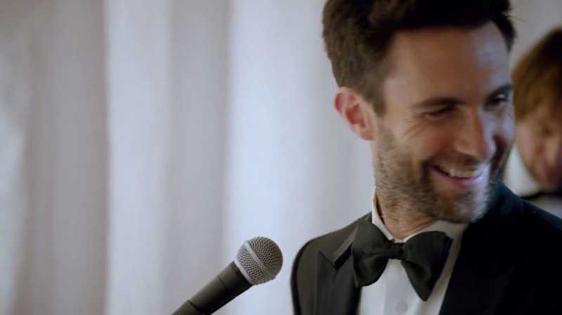 讓女孩們羨慕不已的難忘婚禮:Maroon 5 突襲甜蜜獻唱 4