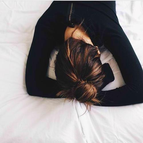 晚上總是睡不著?Sonia Choquette 的4個冥想練習幫你加快進入深層睡眠 1