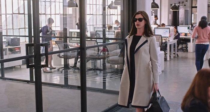 Anne Hathaway 重回長髮演繹時尚角色,這回她才是穿著Prada的惡魔 2