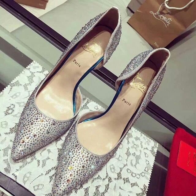 High Heels Hurt Me:平底鞋女孩都懂,那些與高跟鞋無緣的大小事 1