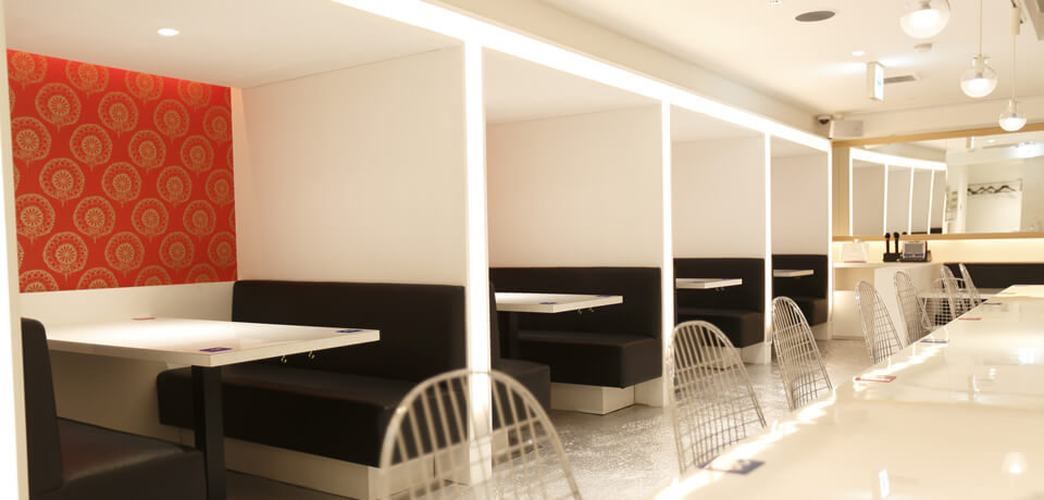 New Tokyo cafe pairs men and women at random, provides coffee, cake & iPads to spark conversation 1