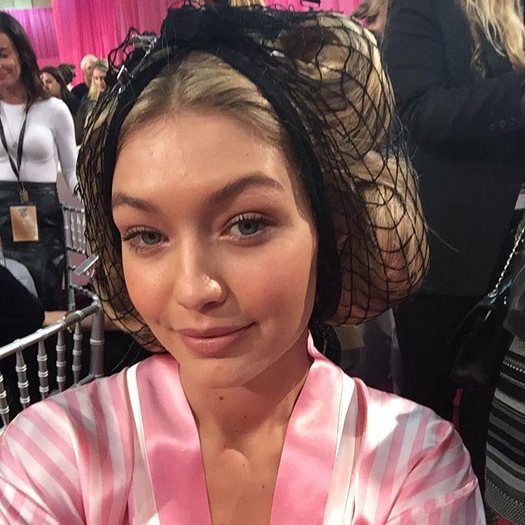 2015 Victoria's Secret Fashion Show Backstage 4