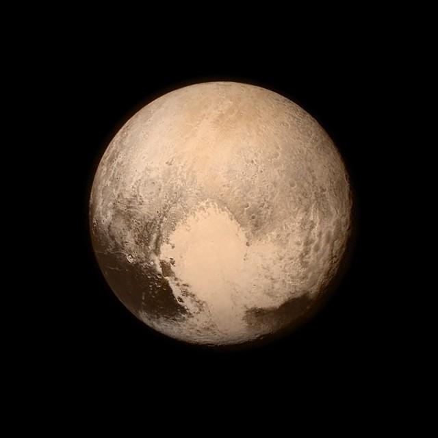 在浩瀚的宇宙裡,我們只是渺小塵埃:NASA 公布 2015 年最美的 9 張天文景觀 1