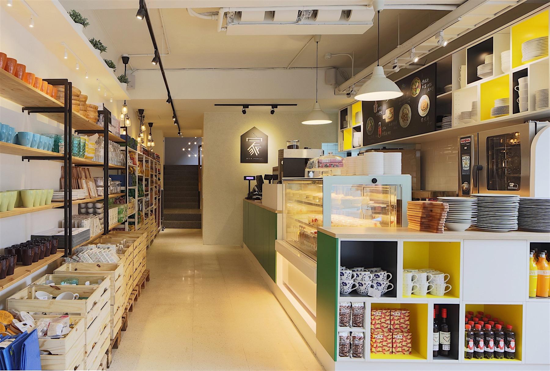 【1樓IKEA FIKA 瑞典美食】首度在賣場外推出獨立IKEA FIKA,提供瑞典美食餐飲及販售精選家飾商品。
