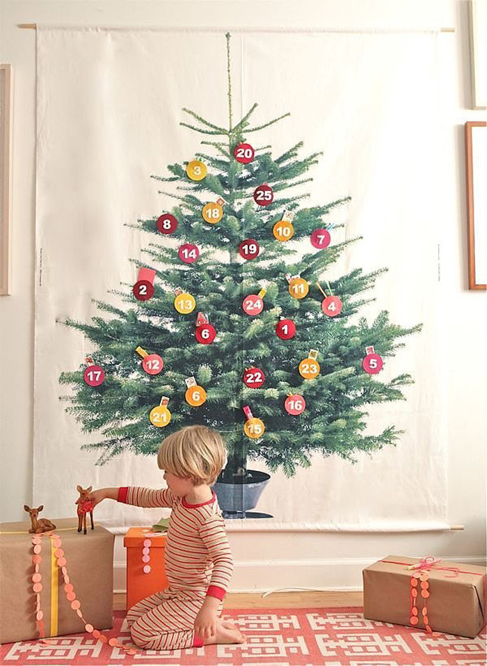 DIY Christmas Tree Ideas For Small Apartment 10