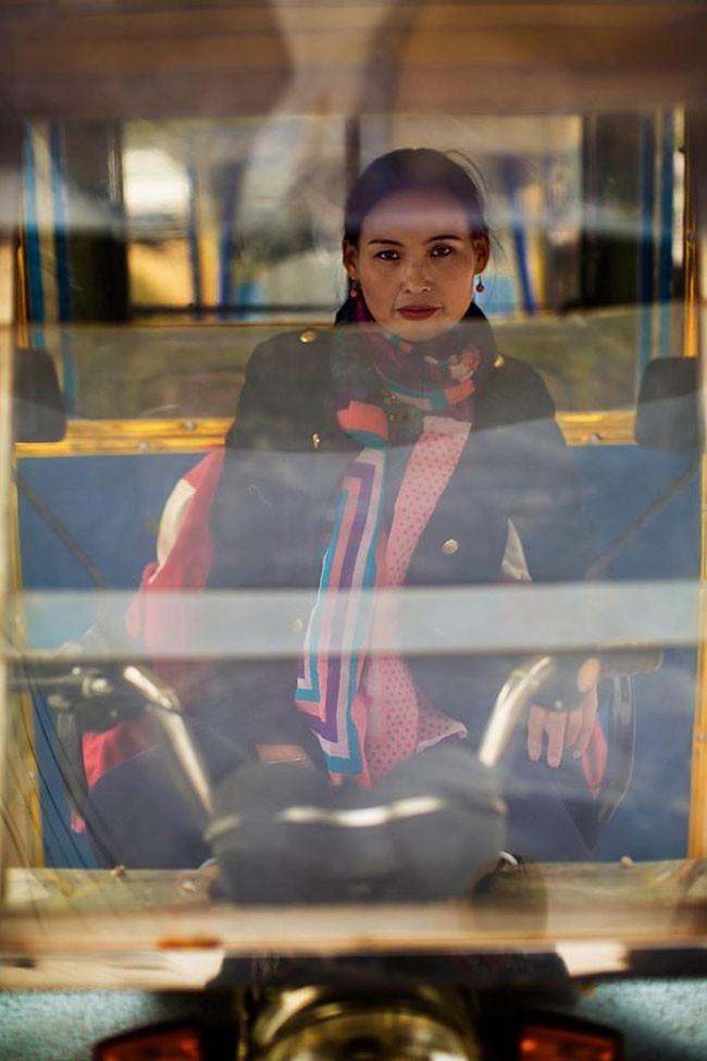 來自不同國家的女性臉龐:攝影師捕捉對於「美」的各種定義! 20