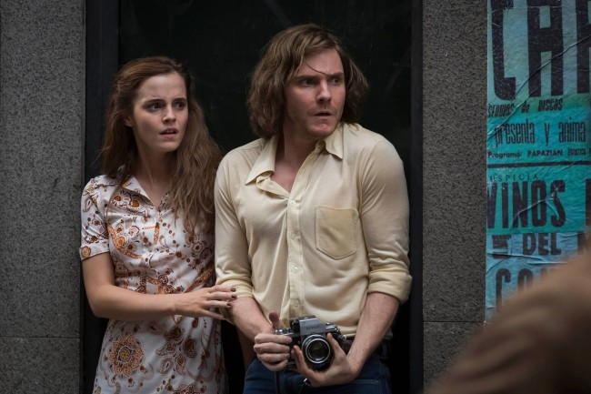First Look:真實故事改編!Emma Watson 飾演政變下的無辜百姓《COLONIA》全新預告 1