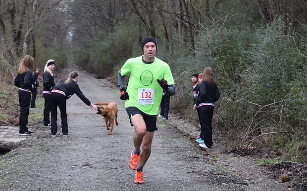 Keep Running:這是一隻來自美國的獵犬主動加入「馬拉松賽跑」的冒險故事! 7