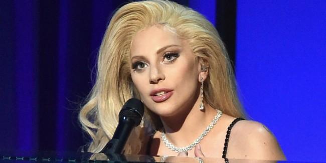 "Lady Gaga 首次透漏家人遭性侵的真實故事,清新獻唱""Til It Happens to You""感動全場! 1"